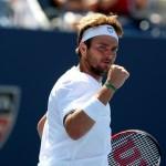 Mardy Fish enfrenta a Novak Djokovic, por un boleto a cuartos